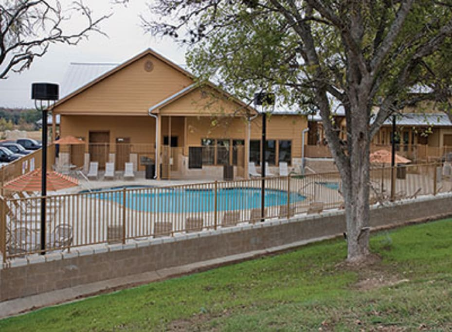 New braunfels tx 3 bedroom deluxe 2 apartments for for Apartments in new braunfels tx