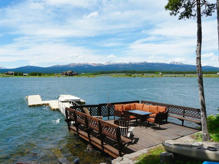 Lakefront! 4BR/2BA, Dock, RV Hookup, Trail System!