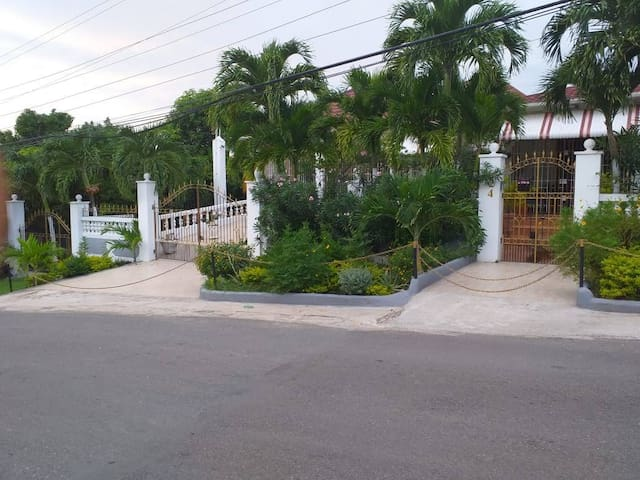 Cynthia's Island Retreat