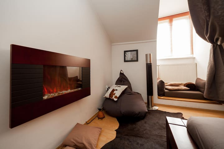 Designed 2 bedrooms apartment in the Down Town.