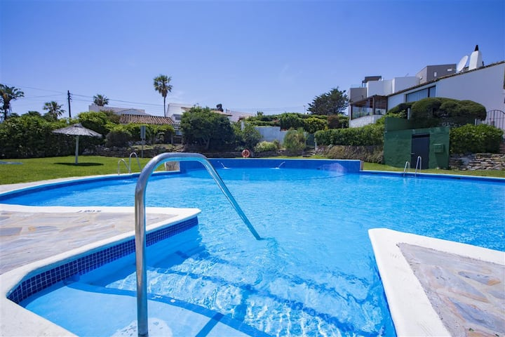 Estepona West Family Villa BONITA