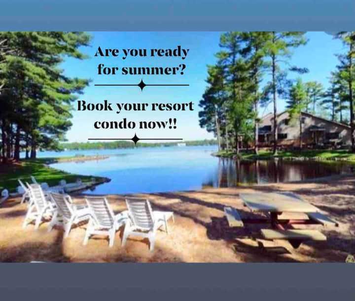 Peaceful Escape -Resort on Lake Delton, Wisc Dells
