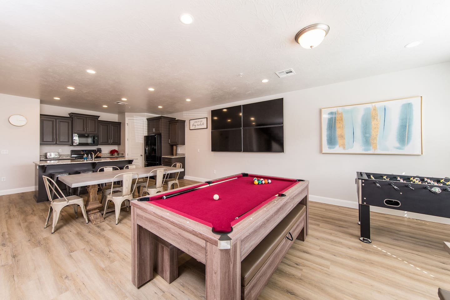 Kitchen w/ Pool and Foosball Table!