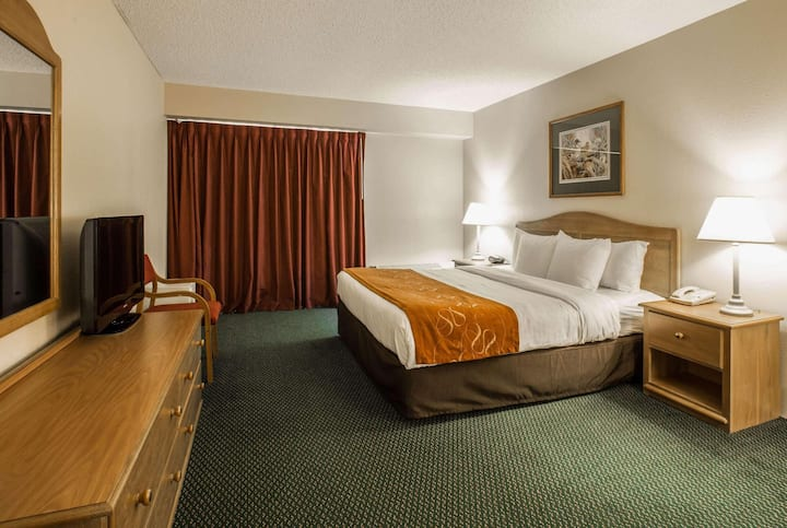 Swanky Quadruple Two Beds At Asheville