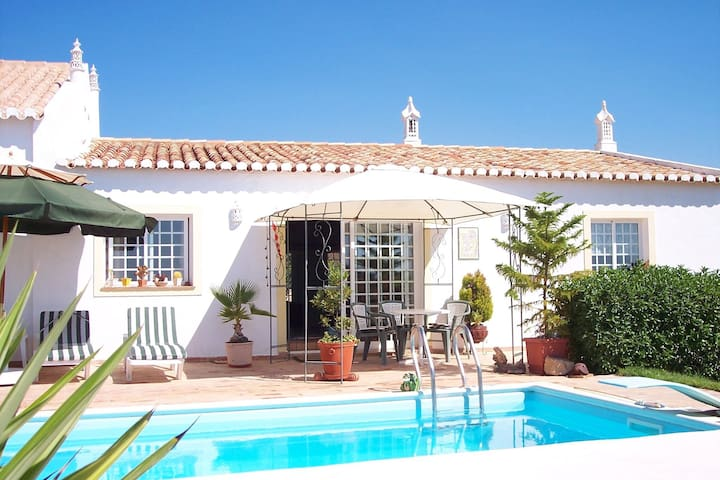 All houses are located in a finely restored Quinta