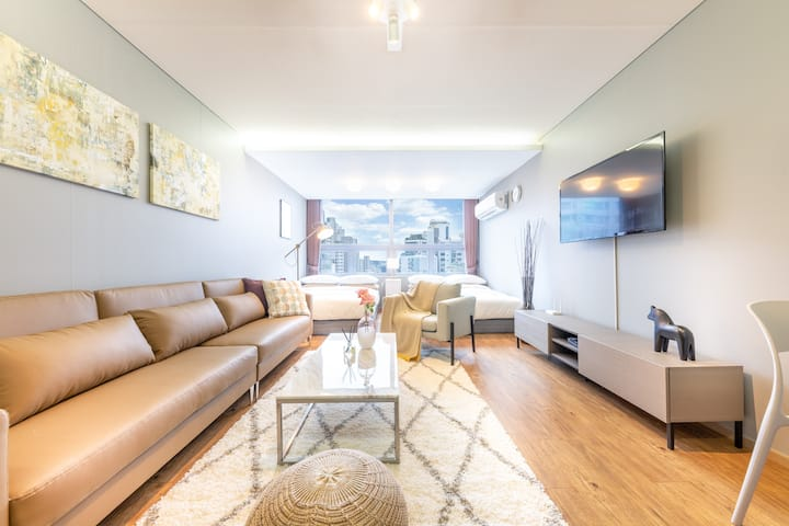 [3] Large room with 2 bed next to Gangnam Station