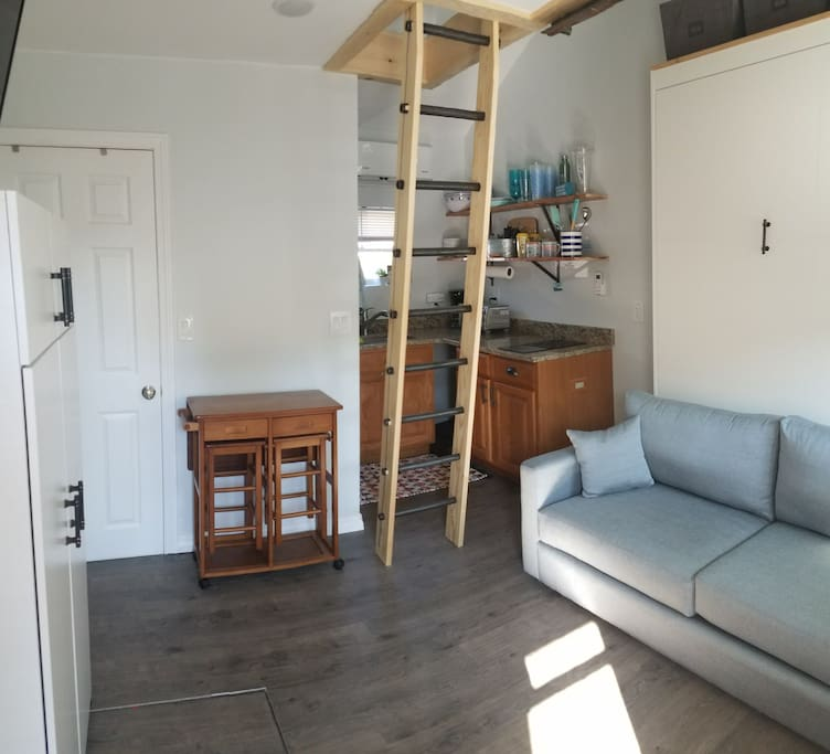 Newly renovated unit 15 has everything you'll need for your next beach vacation.