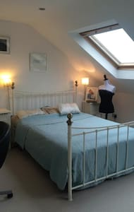 Beautiful, bright & cosy near seafront & station - Portslade