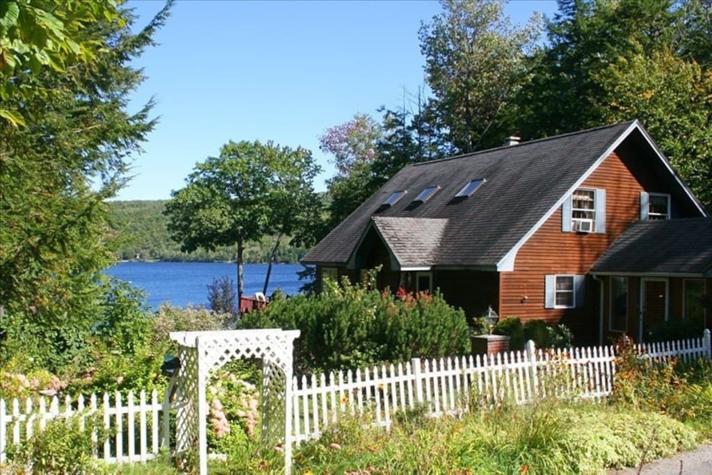 The Home with proximity to the lake
