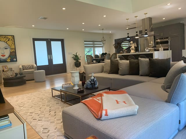 Coral Gables Luxury Home