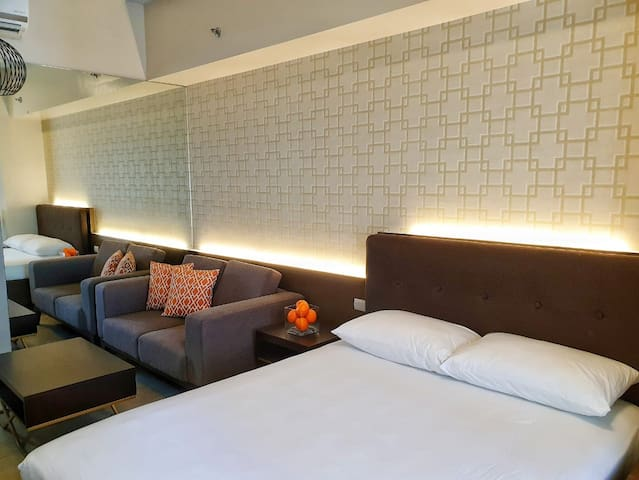 Place to Stay Across Airport/Pasay & Resorts World
