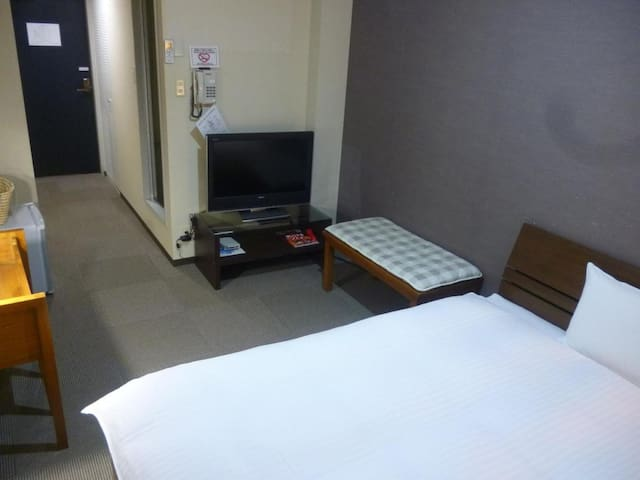 3 minutes on foot from Higashiyama station! Good access to all parts of Kyoto city【Western style Double-bedded room】