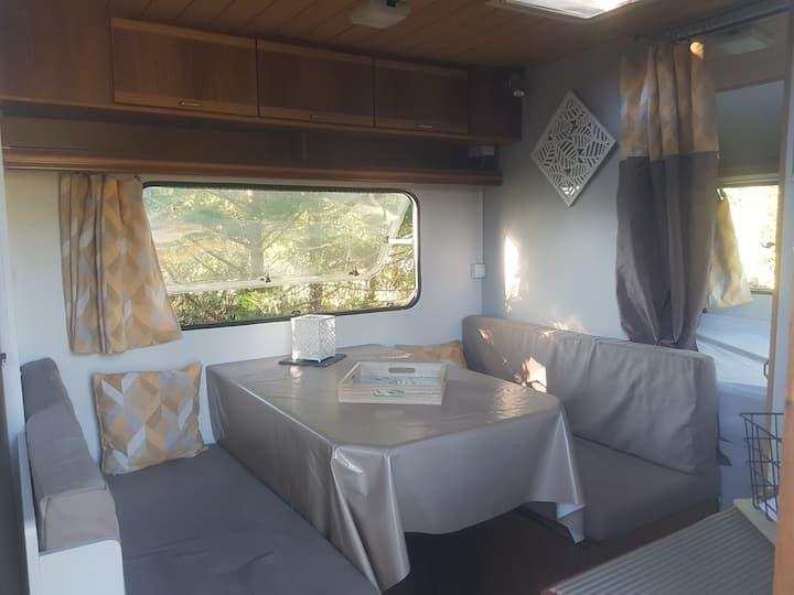 Caravane sur terrain privé avec accès indépendant