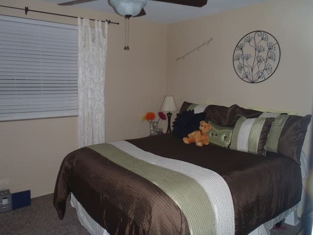 Private Bed & Bath in Central Scottsdale