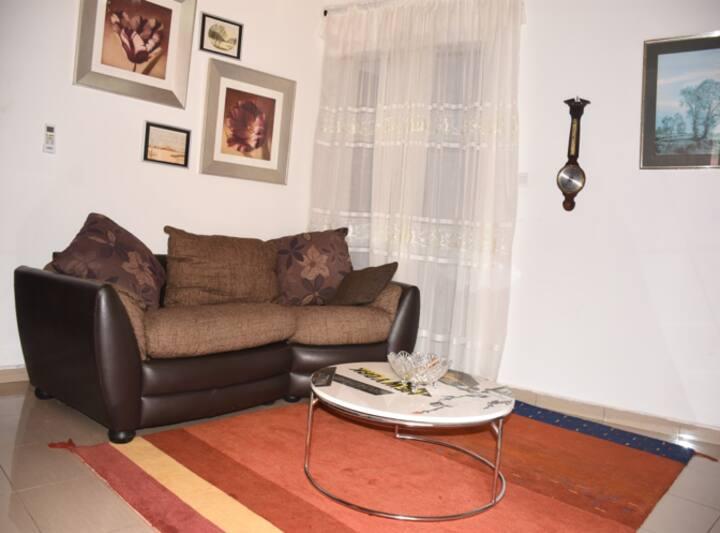 Appartement N5 Meublé Chic Carrefour Bastos