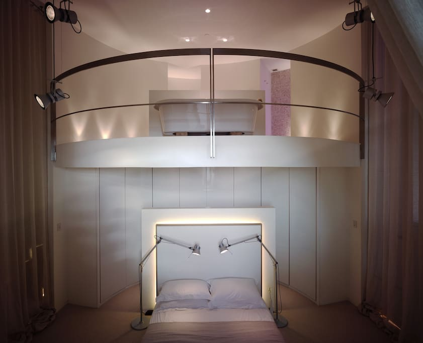 Master Bedroom with ensuite above