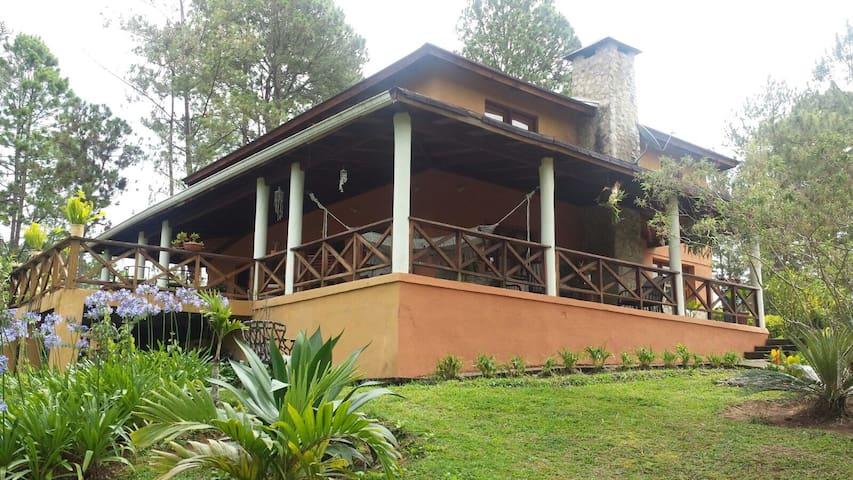 Hermosa casa en Constanza - Constanza - House