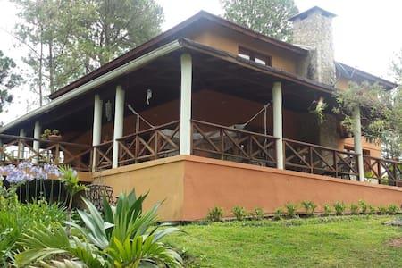 Hermosa casa en Constanza - Constanza - Casa