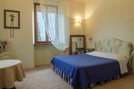 Suite Caravaggio-Villa San Martino Relais&Wellness - Saltara - Huvila