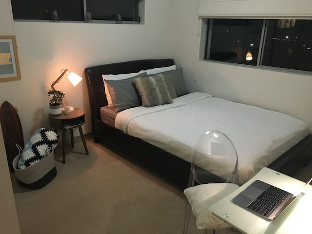 Northern Beaches 1 Bedroom + Ensuite - Brookvale