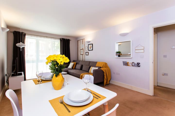 Professionally Managed Exquisite Apt, Battersea