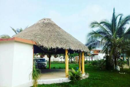 Cazones de Herrera Veracruz. Excelente casa.