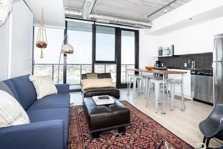 12th Flr| Industrial-Chic| 2 bdr | Downtown