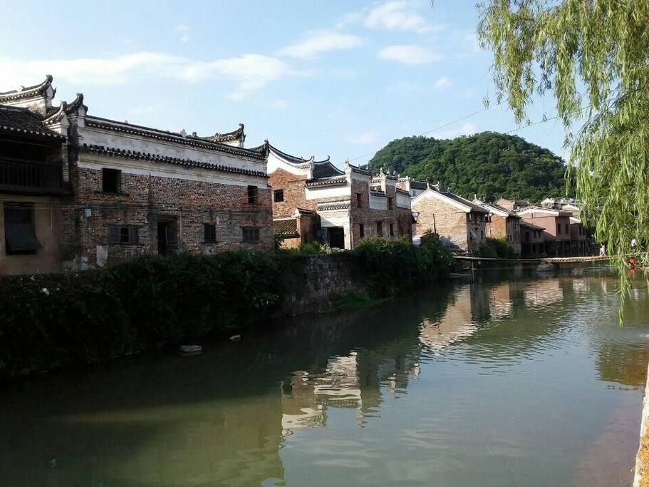 㴬沐河畔上的上甘棠古民居