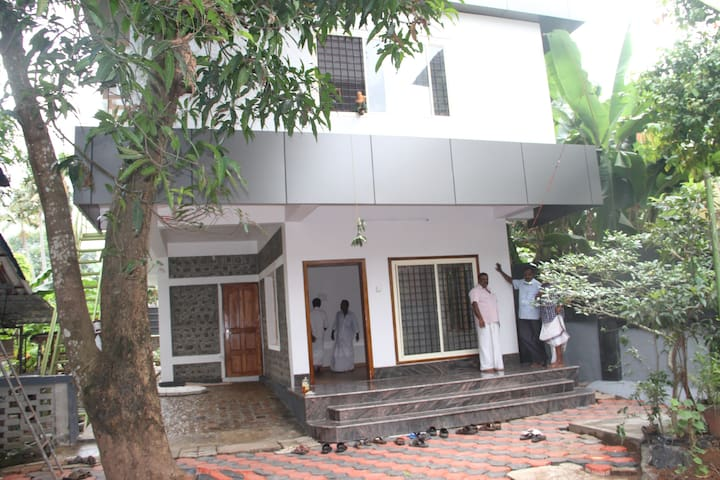 Fully furnished premium accommodation - Changanassery - Lejlighed