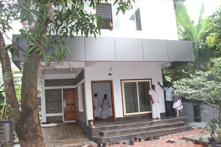 Fully furnished premium accommodation - Changanassery - Huoneisto