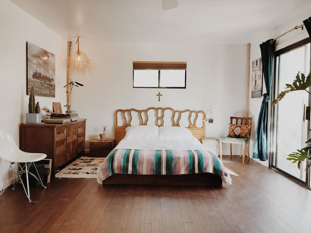 Ojai Vintage Americana Style Retreat Best Location