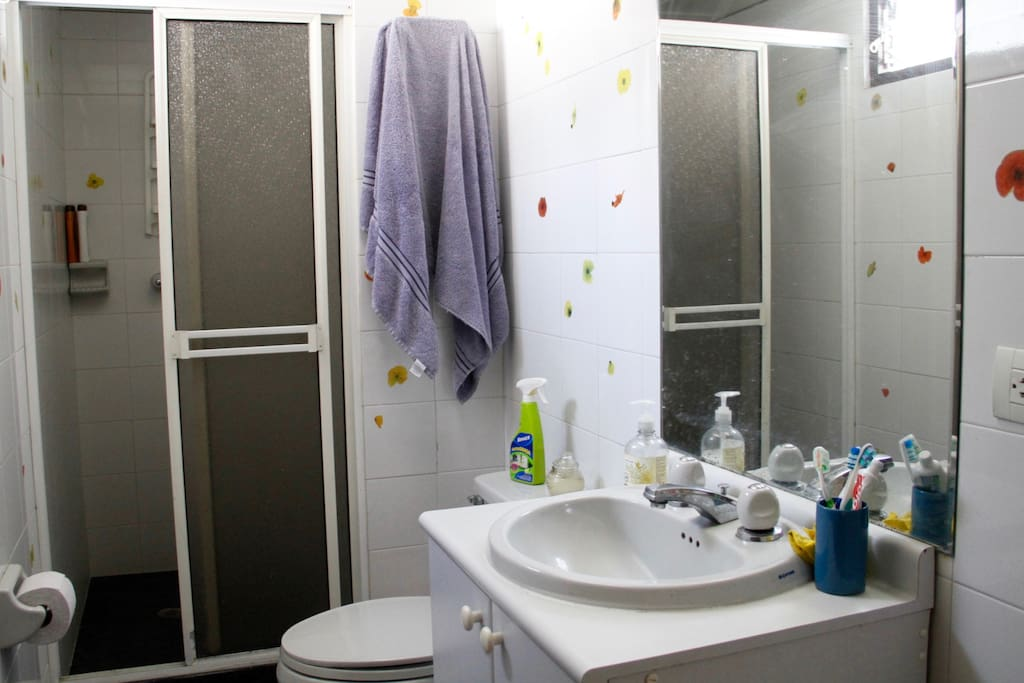 comfortable bathroom with hot water