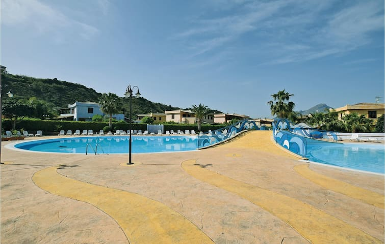 Holiday apartment with 2 bedrooms on 55 m² in Campo felice  Roccella