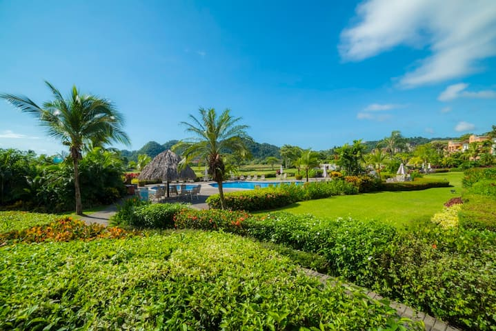 Beautiful Pool view- 3Bdrs in  Del Mar Los Sueños