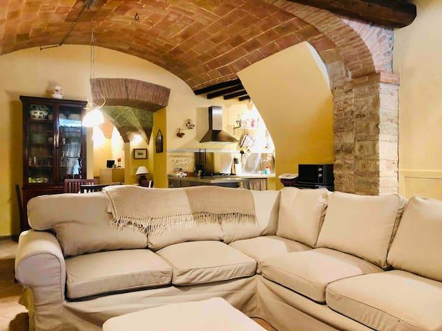 Loft nel centro storico di Todi con camino