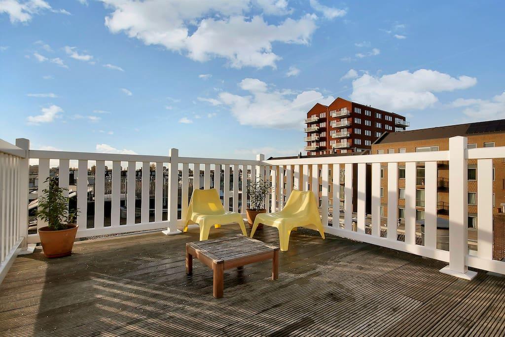 Apartment w rooftop terrace appartamenti in affitto a for Appartamenti amsterdam affitto mensile