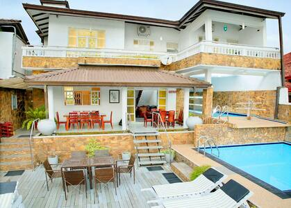 04 A/C Bedroom Waterfront villa with pool - Aluthgama