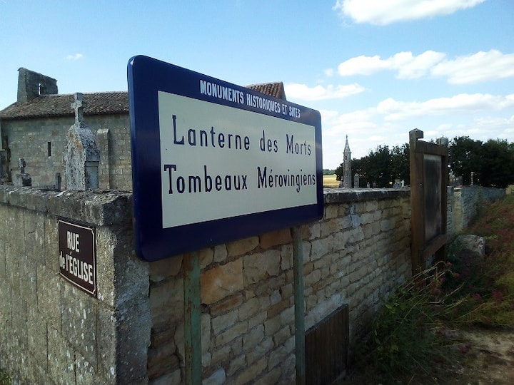 Site 'Lanterne des Morts' French Momument