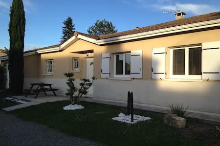 Maison avec piscine - Haus