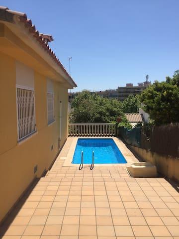 Beautiful Villa, private pool, very close to beach