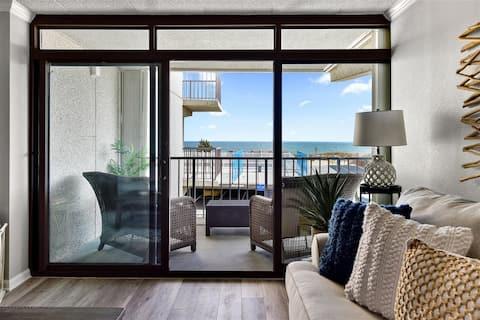 Ocean Front Sea Terrace 209 *Heated Pool*