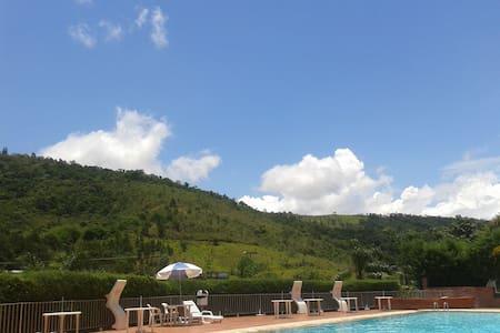 Flat Hotel Cavalinho Branco - Águas de Lindóia - Daire
