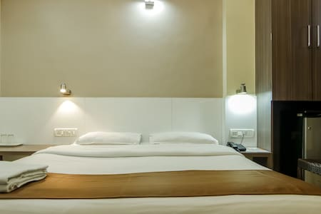 Private AC Room with bath Khar West - Mumbai - Bed & Breakfast