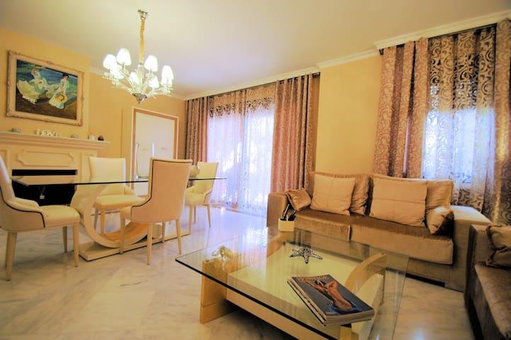 CASA DE LUJO EN GOLDEN MILLE, Marbella.4 DORM-Wifi - Marbelha - Casa