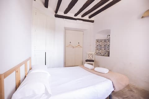 "Bedroom ""Cadaqués"" with swimming-pool"