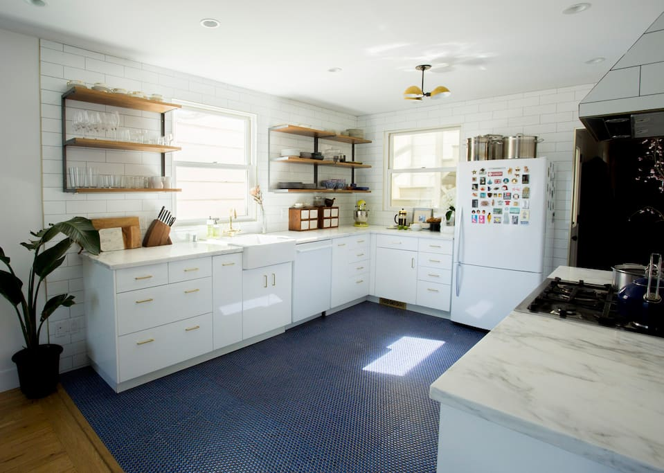 Fully equipped kitchen, sunny and spacious