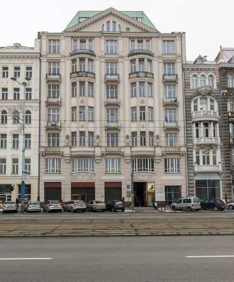 Warsaw City Centre Apartment 2