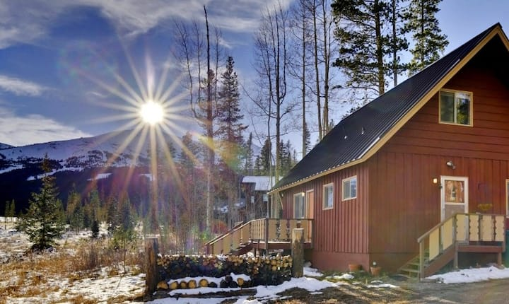Cozy Mtn Home ~ 2 Mi to Breck Resort & Main St!