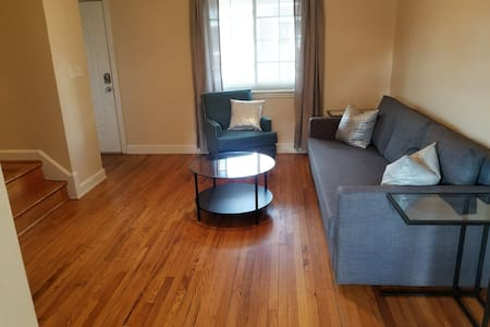3 BR/2BA DelRay Twnhs near DCA & Everything! (311)