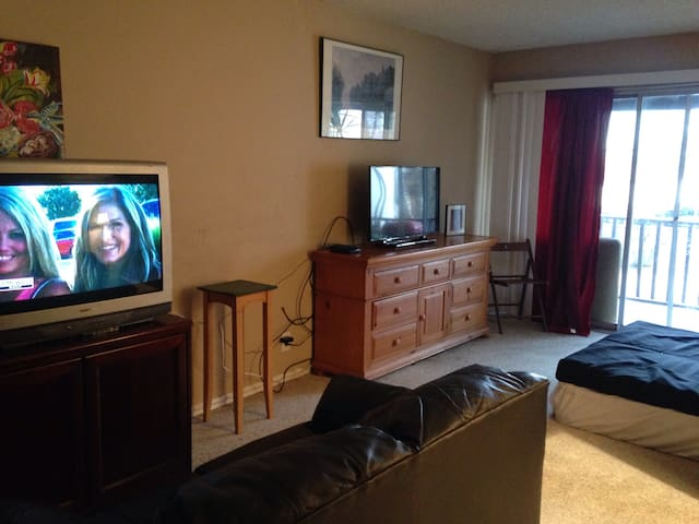 OWN CONDO,WALK2BART,2BEDS,FITS 4,NRWCREEK,MTNEZ,SF